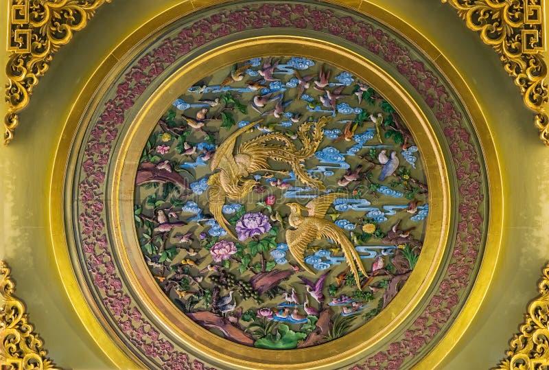 Detalhe a cidade velha de Fang Bang Zhong Lu das decorações na noite shanghai fotografia de stock royalty free