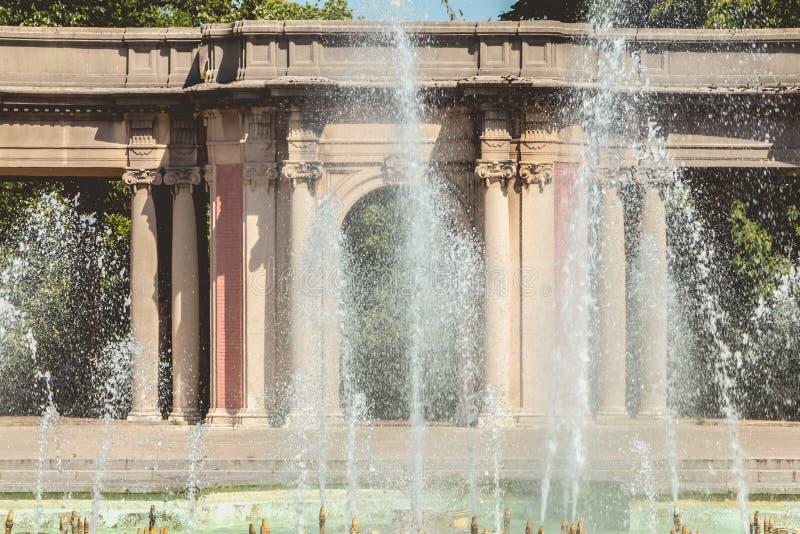 Detalhe da arquitetura das fontes do parque de Dona Casilda foto de stock royalty free