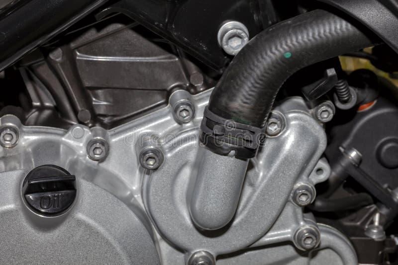 Detalhe da bomba de água de um motor da motocicleta imagem de stock royalty free