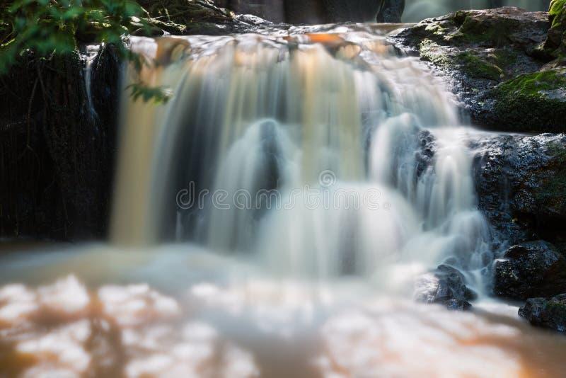 Detalhe da cachoeira do rio de Nairobi em Kenya fotografia de stock royalty free