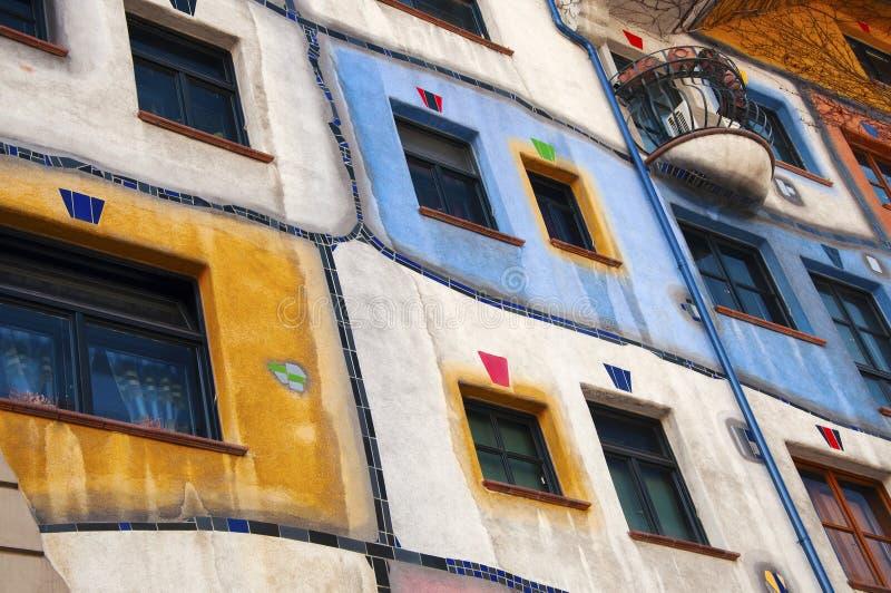 Detalhe da casa de Hundertwasser em Viena fotos de stock royalty free