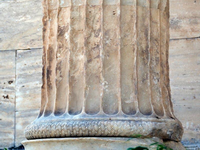 Detalhe da coluna de mármore do grego clássico, acrópole, Atenas, Grécia fotografia de stock