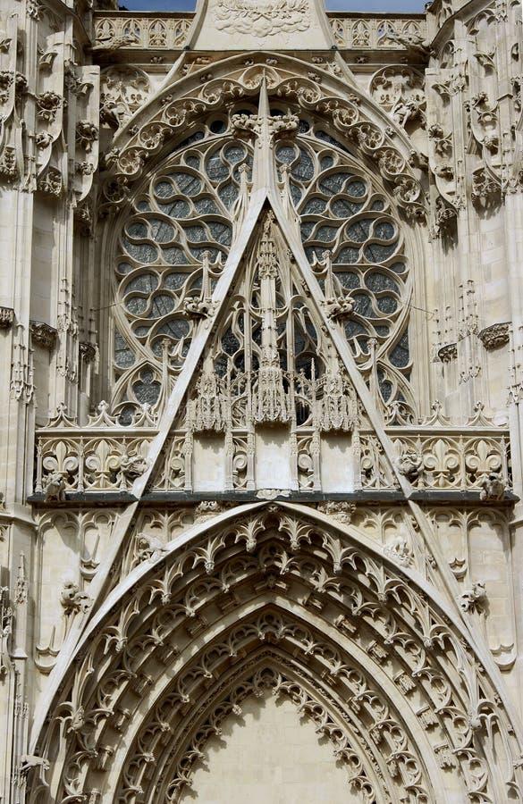 Detalhe da fachada da catedral imagens de stock royalty free
