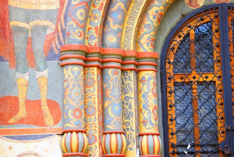 Detalhe da fachada da igreja de Dormition Moscovo Kremlin Herança do UNESCO fotografia de stock
