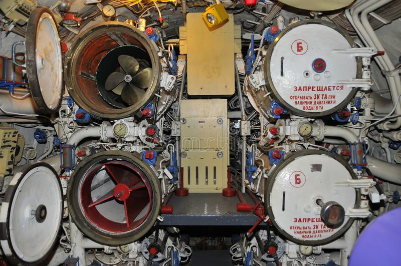 Detalhe da sala do lançamento do submarino B39 do russo em San Diego imagens de stock