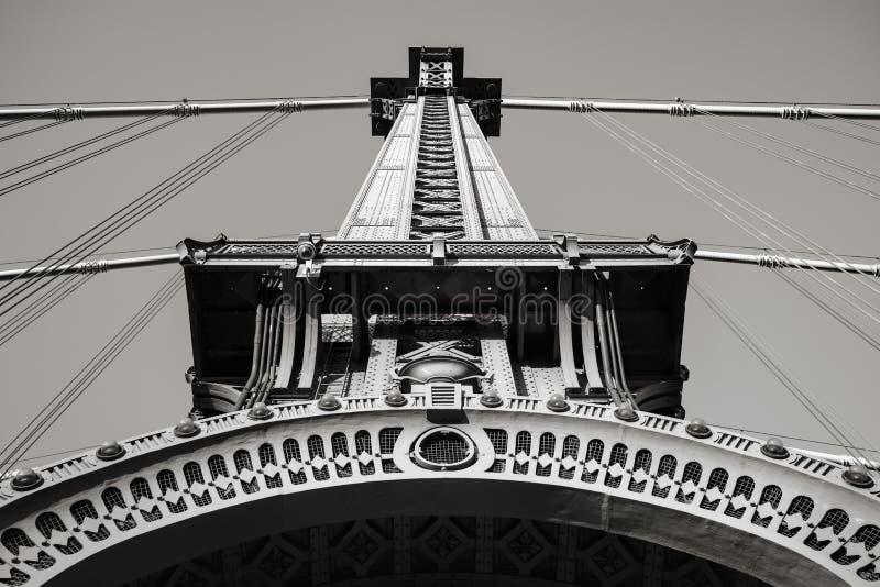 Detalhe da torre da ponte de Manhattan em preto & em branca, New York foto de stock