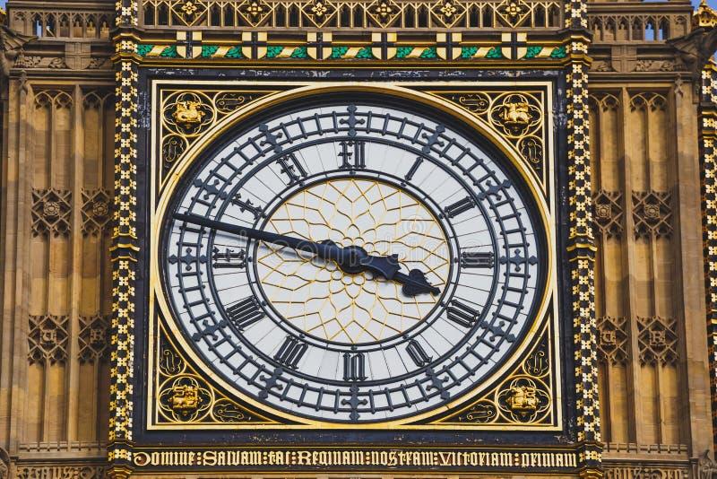 Detalhe da torre de pulso de disparo de Big Ben fotos de stock royalty free