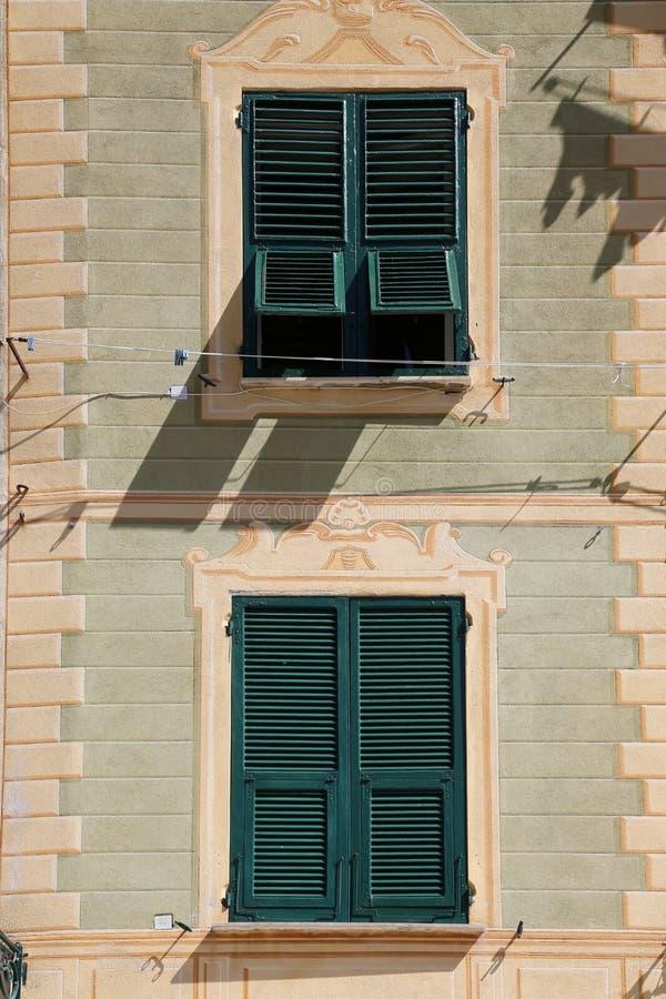 Detalhe das casas pasteis coloridas em Portofino, Itália fotografia de stock