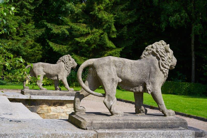 Detalhe das estátuas do leão na cruz de Josheps em Stolberg Harz fotografia de stock royalty free