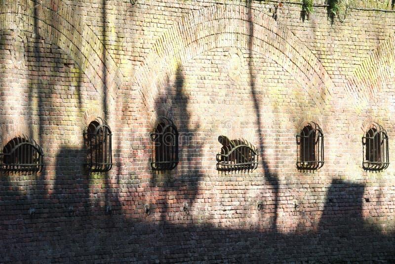 Detalhe das paredes da fortaleza de Edegem, Antuérpia foto de stock