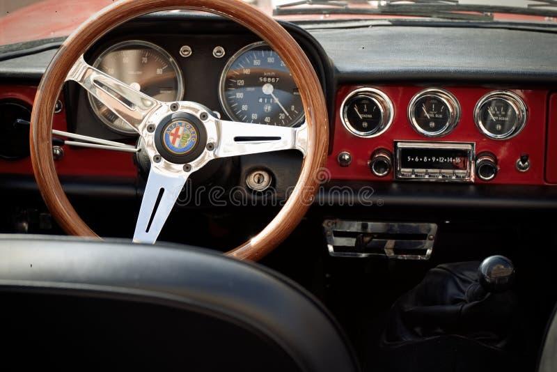 Detalhe de carro do vintage de Alfa Romeo foto de stock
