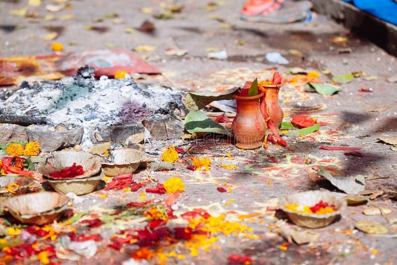 Detalhe de cerimônia hindu em Kathmandu, Nepal imagem de stock royalty free