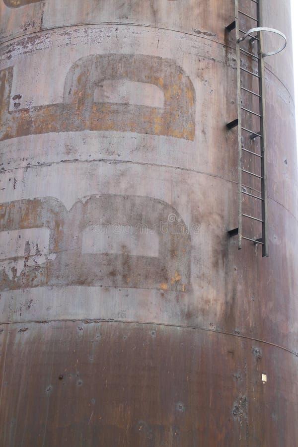 Detalhe de chaminé em fundições de ferro anteriores e de aço em VÃtkovice, Ostrava imagem de stock