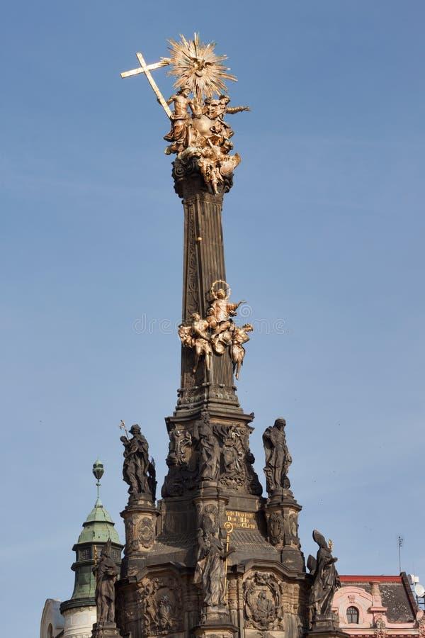 Detalhe de coluna barroco em Olomouc Arte finala barroco clássica Detalhe de esculturas fotografia de stock