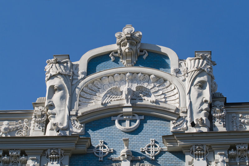 Detalhe de edifício de Nouveau da arte imagens de stock