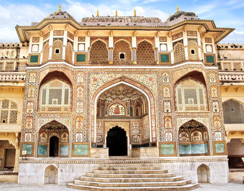 Detalhe de entrada decorada. Forte ambarino. imagens de stock royalty free