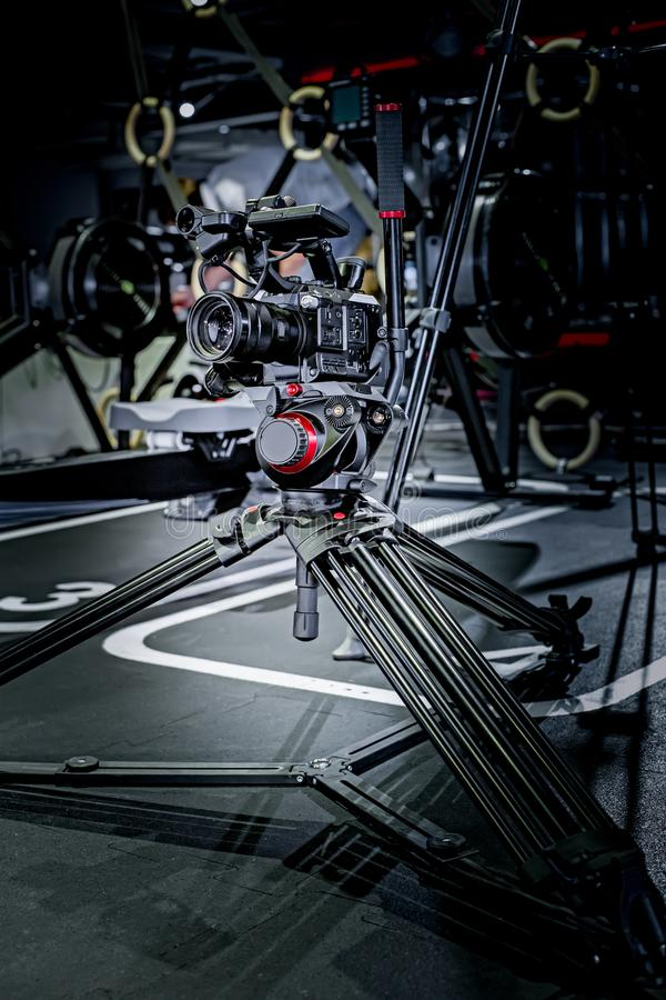 Detalhe de equipamento profissional da câmera, estúdio da produção do filme fotos de stock royalty free