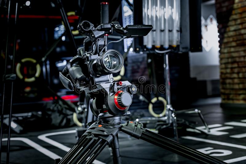 Detalhe de equipamento profissional da câmera, estúdio da produção do filme imagens de stock royalty free