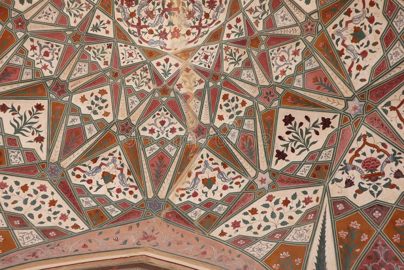 Detalhe de Gateway decorado Forte ambarino Jaipur, Rajasthan fotos de stock