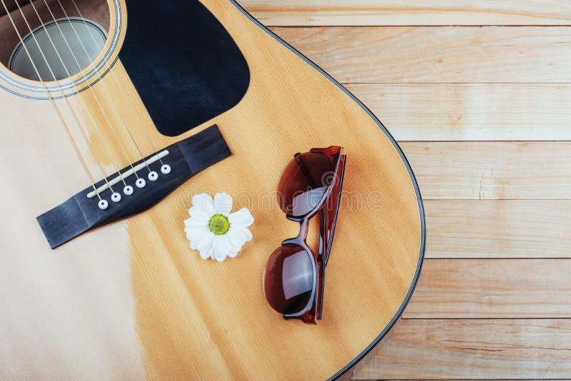 Detalhe de guitarra clássica com profundidade de campo rasa fotos de stock royalty free