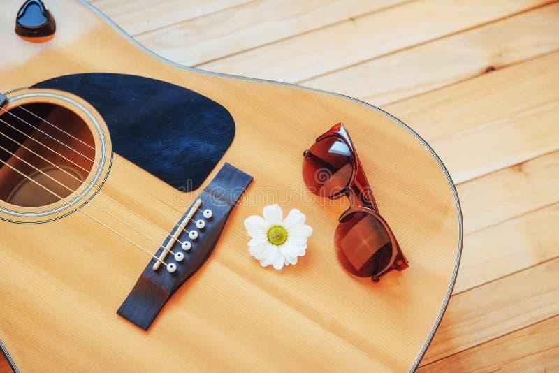 Detalhe de guitarra clássica com profundidade de campo rasa imagens de stock royalty free
