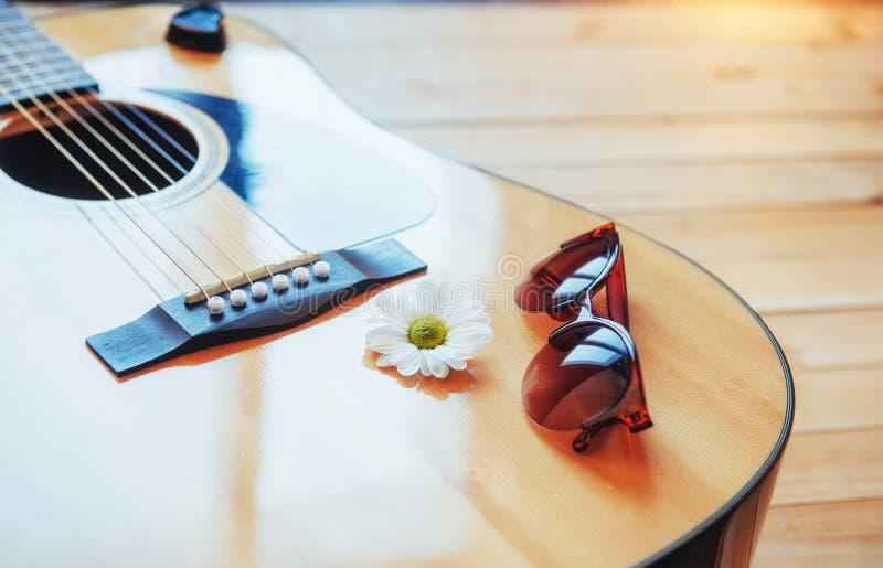 Detalhe de guitarra clássica com profundidade de campo rasa fotografia de stock