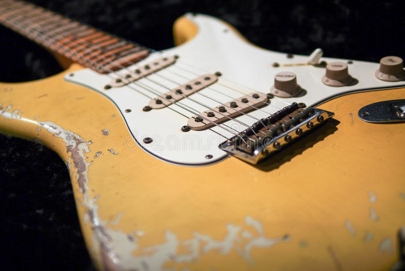Detalhe de guitarra elétrica do vintage foto de stock royalty free