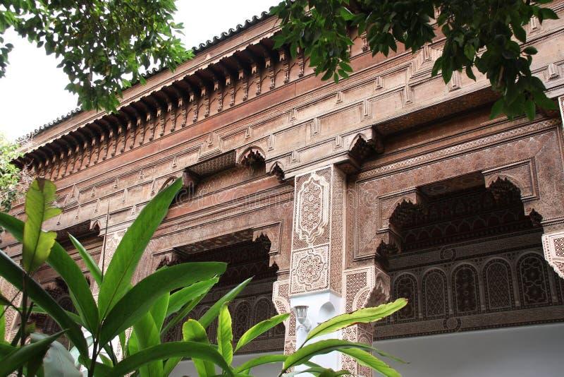 Detalhe de ornamento cinzelado, palácio de Baía, C4marraquexe, Marrocos imagem de stock