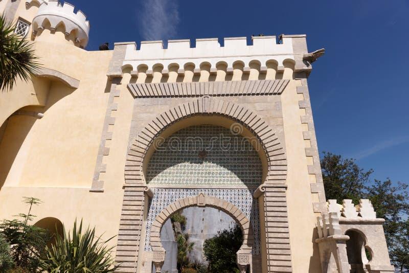 Detalhe de palácio nacional de Pena & de x28; Palacio Nacional a Dinamarca Pena& x29; - Palácio do Romanticist em Sintra foto de stock