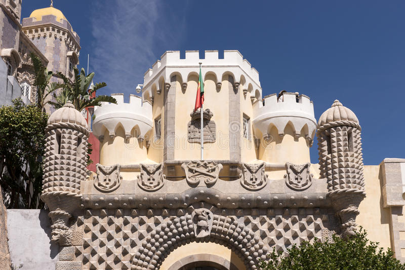 Detalhe de palácio nacional de Pena & de x28; Palacio Nacional a Dinamarca Pena& x29; - Palácio do Romanticist em Sintra imagem de stock