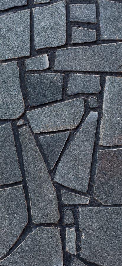 Detalhe de parede com as telhas de pedra azul-cinzentas decorativas imagens de stock royalty free