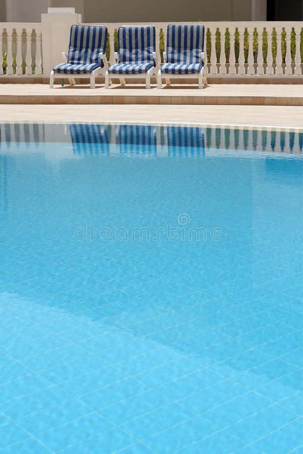 Detalhe de piscina do ar livre imagem de stock royalty free