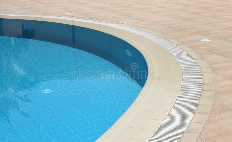 Detalhe de piscina do ar livre imagem de stock