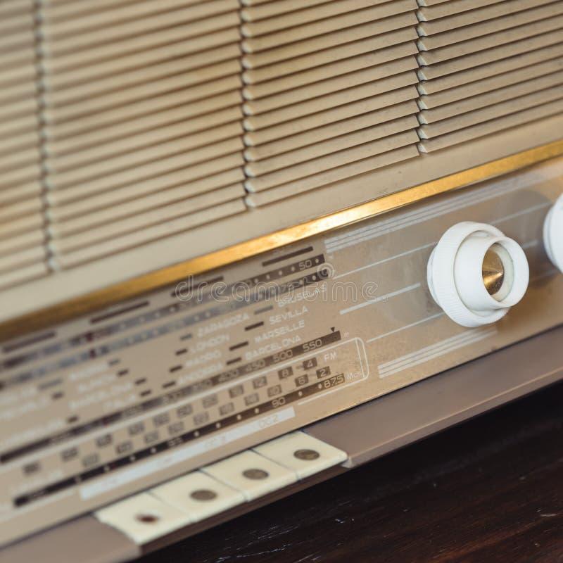 Detalhe de rádio análogo velho imagens de stock royalty free