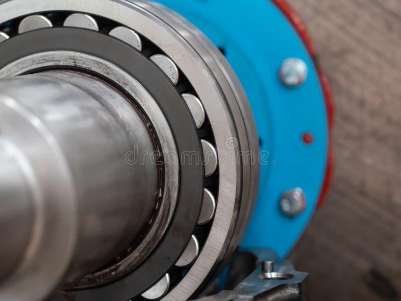 Detalhe de rolamento de rolo de aço inoxidável fotos de stock