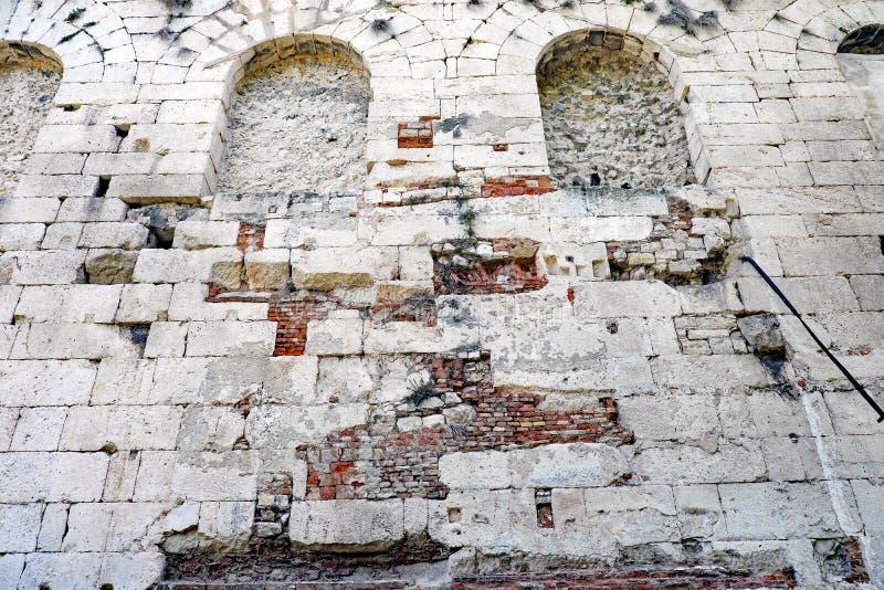 Detalhe de Roman Architecture antigo, palácio do ` s de Diocletian, separação, Croácia fotografia de stock royalty free