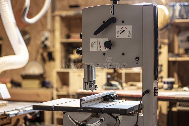 Detalhe de serra de fita da ferramenta do carpinteiro fotografia de stock