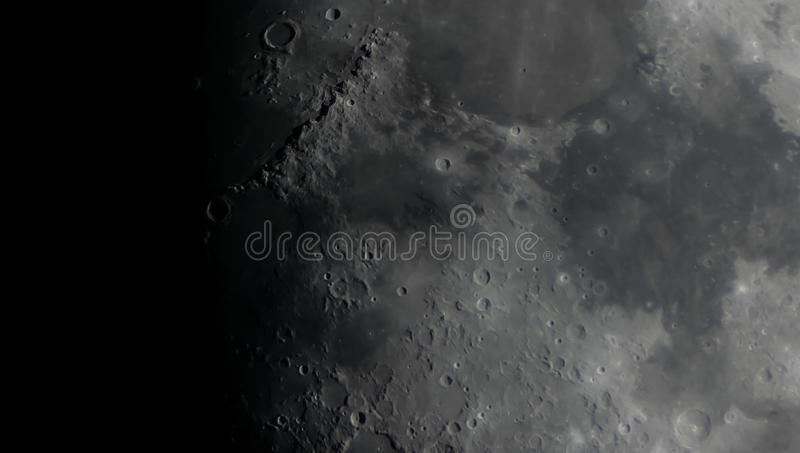 Detalhe de superfície da lua fotografia de stock