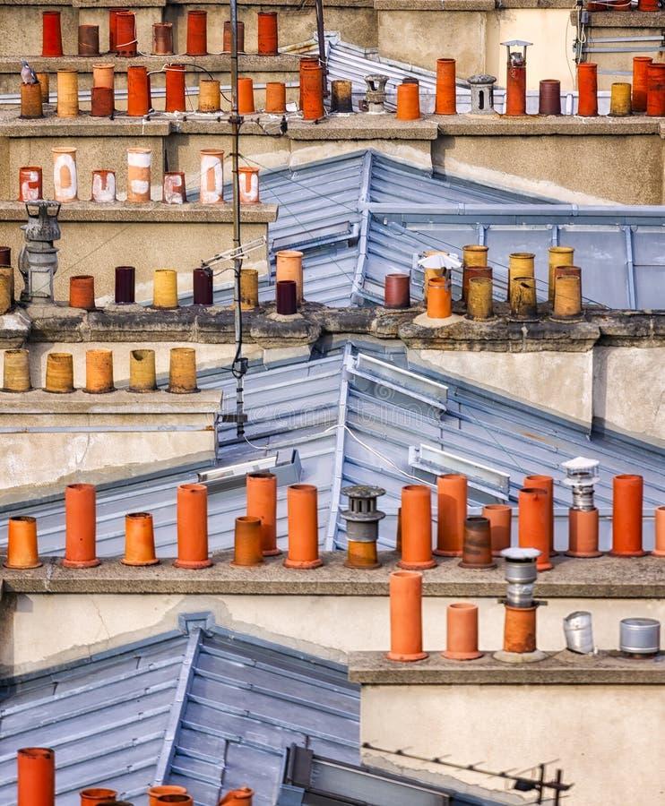 Detalhe de telhados tradicionais em Paris fotos de stock royalty free
