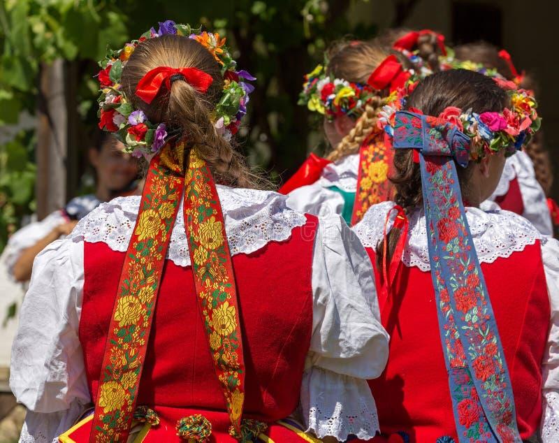 Detalhe de traje popular fêmea polonês foto de stock royalty free