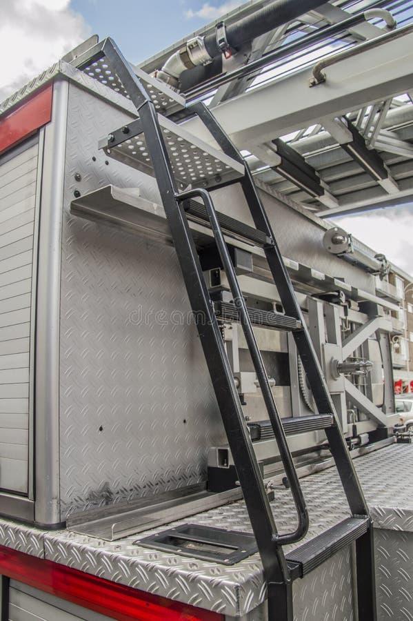 Detalhe de um caminhão do departamento dos bombeiros de Amsterdão os Países Baixos foto de stock