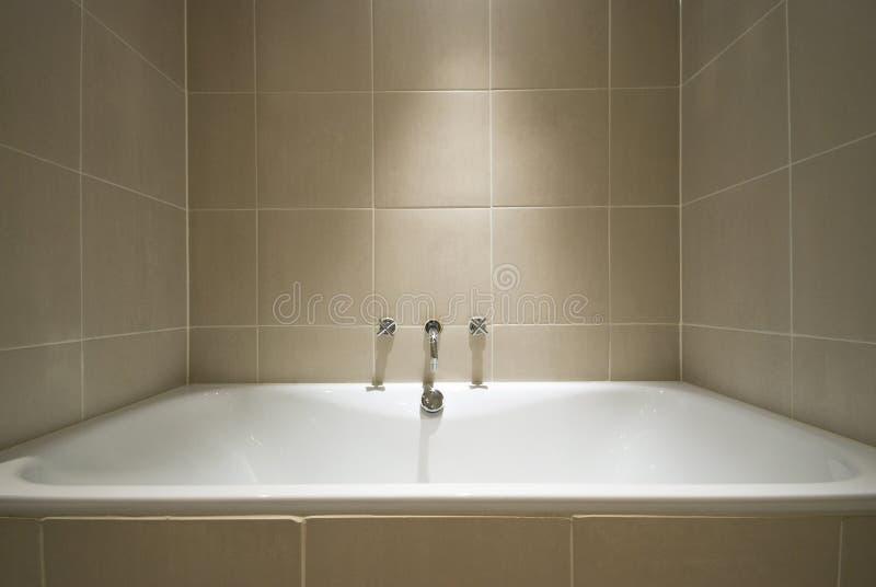 Detalhe de uma cuba de banho moderna luxuoso fotografia de stock