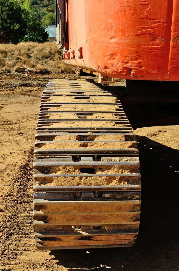 Detalhe de uma grande máquina escavadora da enxada da trilha imagem de stock royalty free