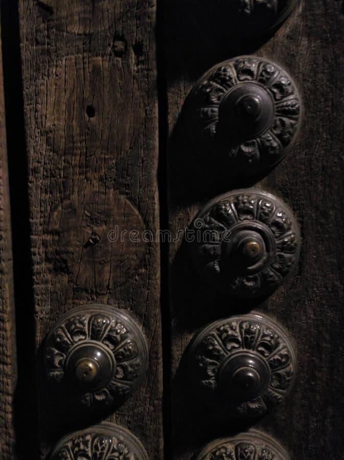Detalhe de uma porta velha imagem de stock