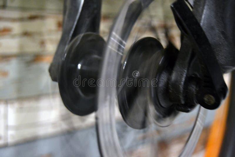 Detalhe de uma roda de bicicleta imagem de stock