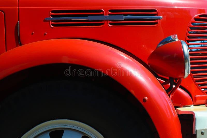 Detalhe de velho, vermelho, firetruck do vintage foto de stock royalty free