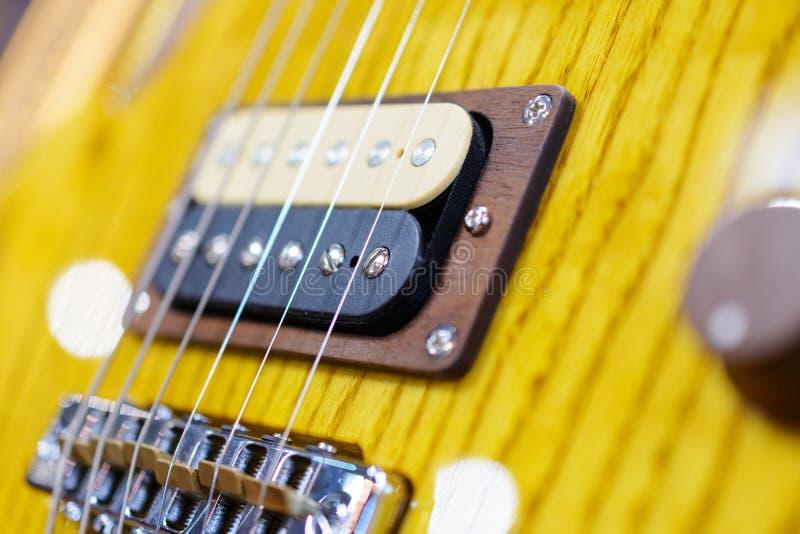 Detalhe disparado de uma guitarra elétrica foto de stock royalty free