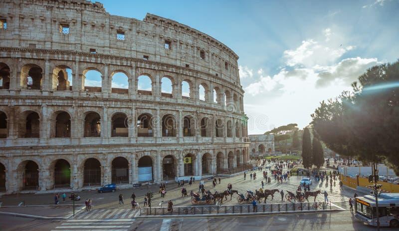 Detalhe do Colosseum de Roma em Itália, Europa foto de stock