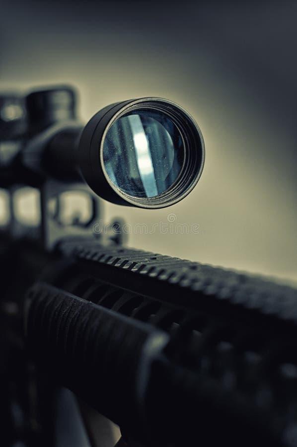 Detalhe do espaço do rifle de atirador furtivo fotografia de stock royalty free
