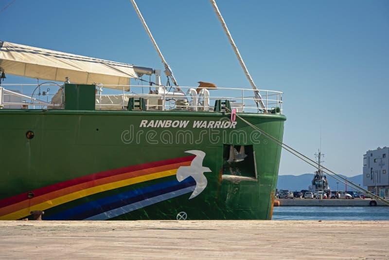 Detalhe do navio do guerreiro do arco-íris de Greenpeace foto de stock